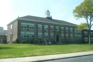 Bayport-Blue Point School